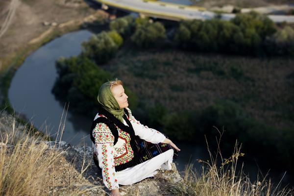 Basarabeanca Aurica-costum popular-Orheiul Vechi-2012-600px-IMG_5656