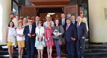 17-Ceremonie acordare distinctii de stat-foto GRUP Radio Moldova 1-14-07-2016-900px-DSC_0383