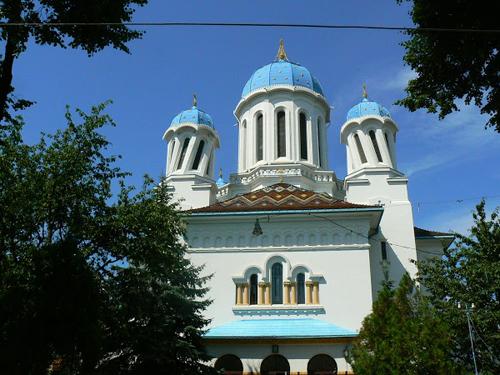 Biserica Sf Nicolae Cernauti 1-500px