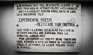 experimentul-pitesti-placa-de-la-inchisoare