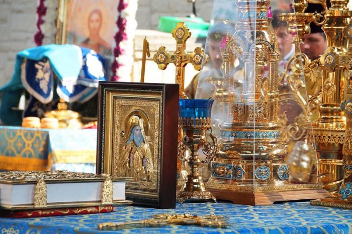 Gavriil Banulescu Bodoni canonizat 2-Icoana-3 sept 2016-800px