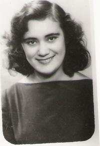 maria-biesu-studenta-la-conservatorul-de-la-chisinau-1958-200px
