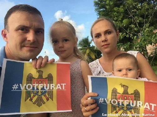 diaspora-proteste-caraibe-familia-lui-alexandru-narte-20-nov-2016-700x525