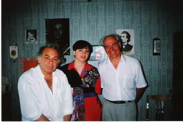 emil-loteanu-luminita-dumbraveanu-eugen-doga-la-focul-din-vatra-radio-moldova-sept-1998-600px