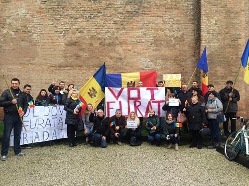 proteste-vs-falsificare-alegeri-prezidentiale-treviso-italia-20-nov-2016