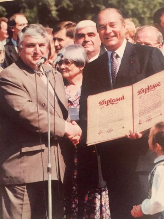 3-Serafim Urecheanu cu Jacques Chirac-Presedintele Frantei-1999