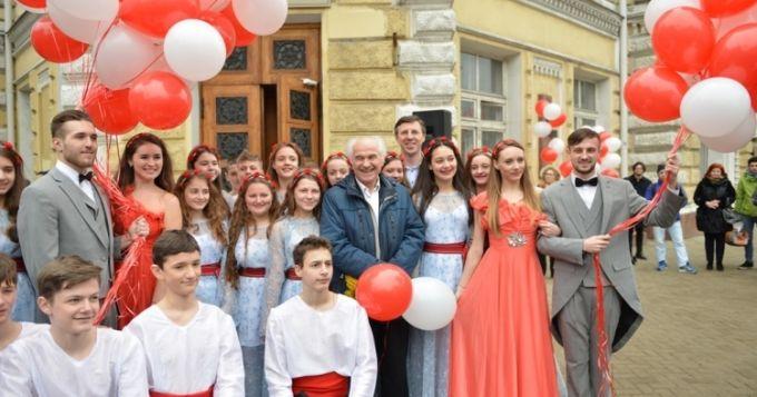 Eugen Doga cinstit la Primaria mun Chisinau-foto TVR