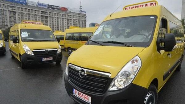 Microbuz pentru elevi moldoveni-donatie din Romania-Interactiv-ro
