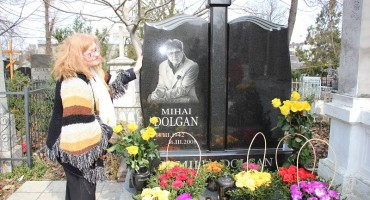 Mihai Dolgan si Lidia Botezatu-sotia care ii deplinge plecarea-14-03-2017-Cimitir Central Chisinau-