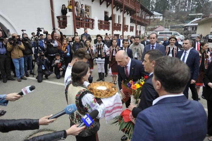 RO_MD-Premierii Romaniei si Moldovei la Manastirea Agapia-Piatra Neamt-PAINEA-23 martie 2017