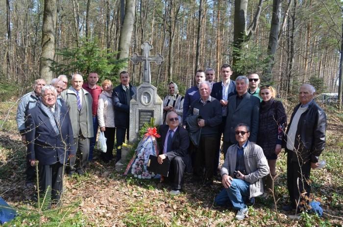 Masacrul d ela Fintina Alba-Cernauti-Vasile Raut linga Cruce-1 aprilie 2017