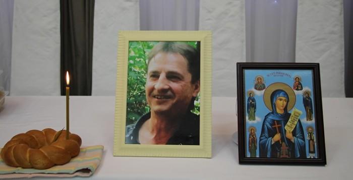 Nicolae Cuiban-funeralii 23 aprilie 2017-luminare-parastas-IMG_3364
