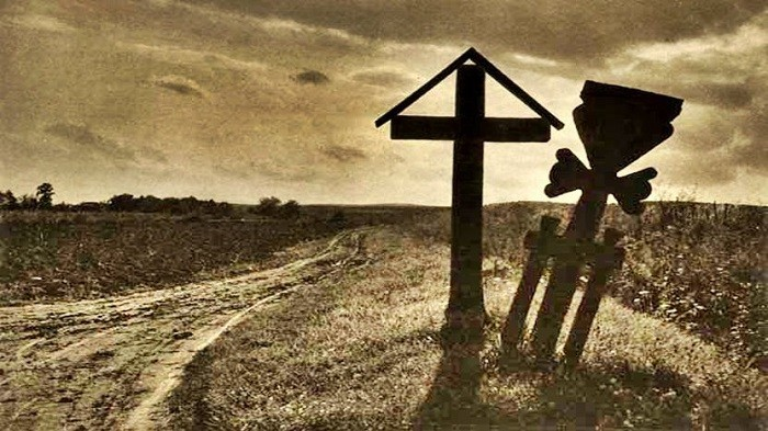 TVR-documentar Katyn-ul romanesc d ela Fintina Alba-CRUCI pe Valea Plingerii