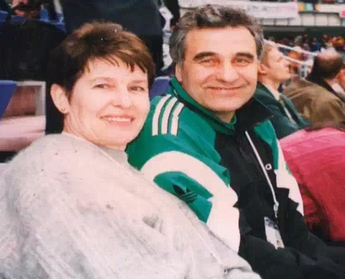 7-Efim Josanu-telejurnalist-comentator sportiv-scriitor-Moldova-capturi video TVM-9-cu sotia Stela