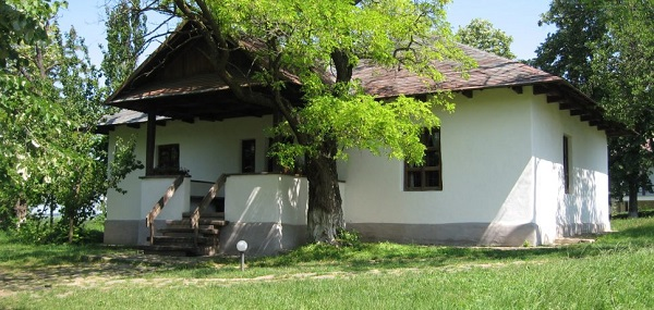 Ipotesti-Casa_memorială_Mihai_Eminescu
