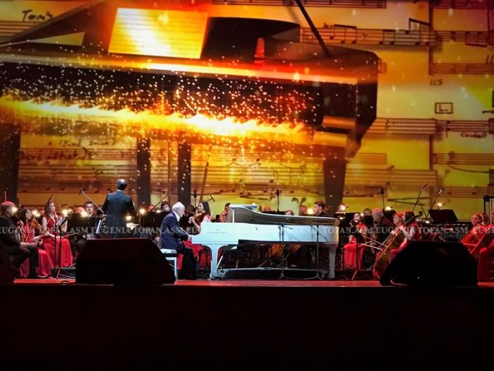Eugen Doga Kremlin spectacol-foto Eugenia Tofan-2 iunie 2017-LED pian