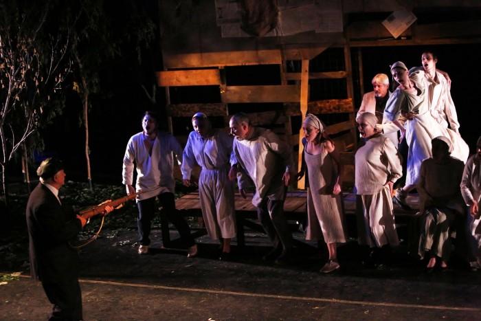 Seceta rosie-spectacol dsp foametea din Basarabia 1947-TNI-Iasi-6-7 iunie 2017-executii