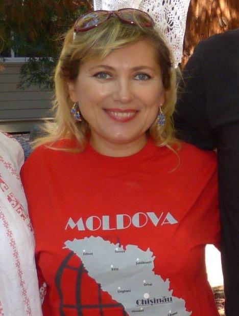 Aurica Andronic basarabeanca din SUA-foto FB-tricou Moldova
