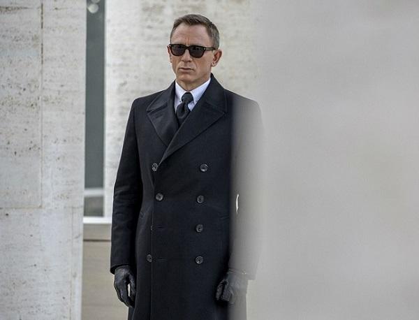 James-Bond jucat de Daniel Craig 2