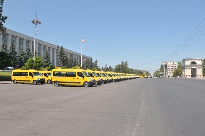 RO-96 Autobuze scolare pt Moldova autobuzele aliniate 21 iulie 2017