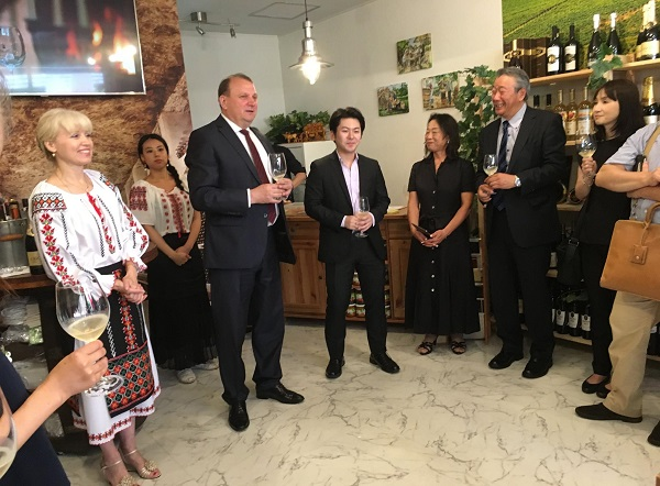 1-Japonia-nou magazin de vinuri din Moldova-1-iulie 2017-600px