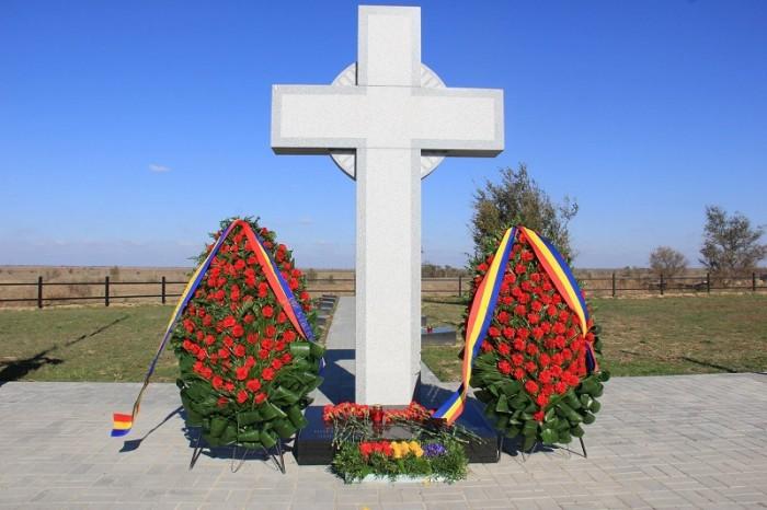 Ostasi romani reinhumati in Rusia-lupta de la Stalingrad-CRUCEA-oct 2016