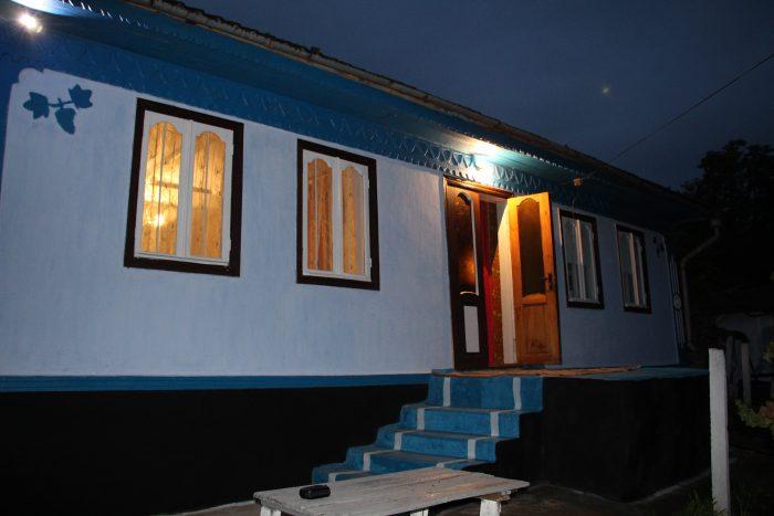3-Eugen Doga-satul Mocra casa parinteasca-foto Luminita Dumbraveanu 19 sept 2017-IMG_1502