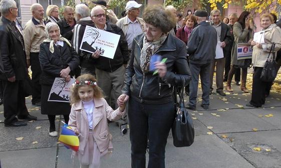 1-Cernauti-proteste-Salvati scolile romanilor-17 oct 2017