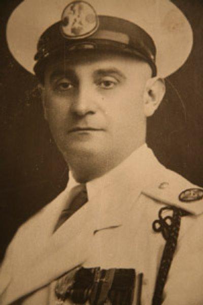 3-Traian Popovici-fost primar Cernauti-haine militare-foto lyberty-com