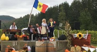 Canada Ziua Vinului Hai Noroc-Eugenia Margineanu si Ala Beleavschi-27 oct 2017