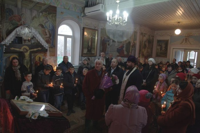 Eugen Doga-Biserica Cenac-Parintele-Primarul-profesorii-elevii-28 nov 2017-IMG_9076 - Copy