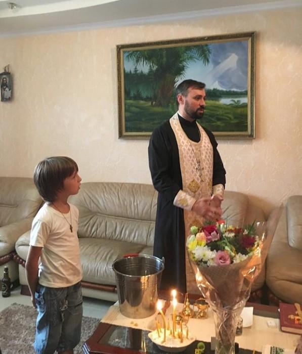 5-Parintele Nicolae Ciobanu-Cruglic-Criuleni si copilul Stelian
