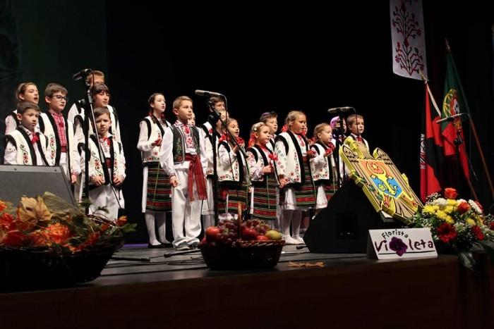 5-Portugalia-Zilele Culturii RM-26 nov 2017-copii pe scena 2