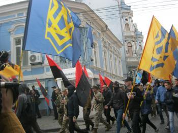Cernauti extremistii iucraineni contra romanilor-ZorileBucovinei-com