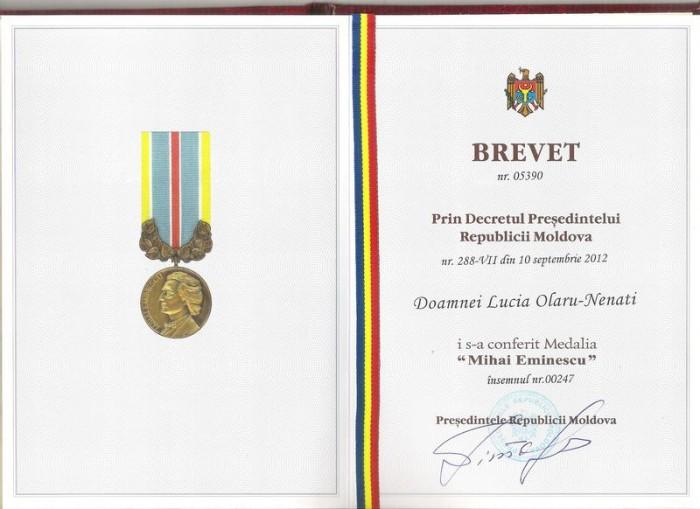 Lucia Olaru Nenati Brevetul-si-Medalia-M.-Eminescu-Chisinau-2013-800x600