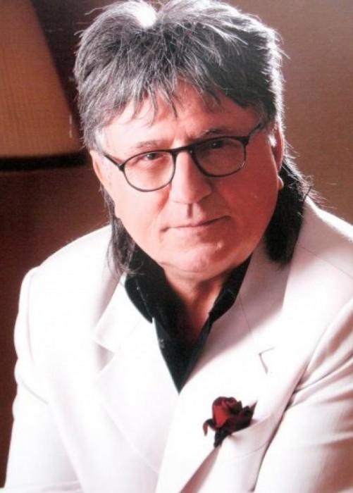 2-Mihai Dolgan-foto si pe placa de mormint