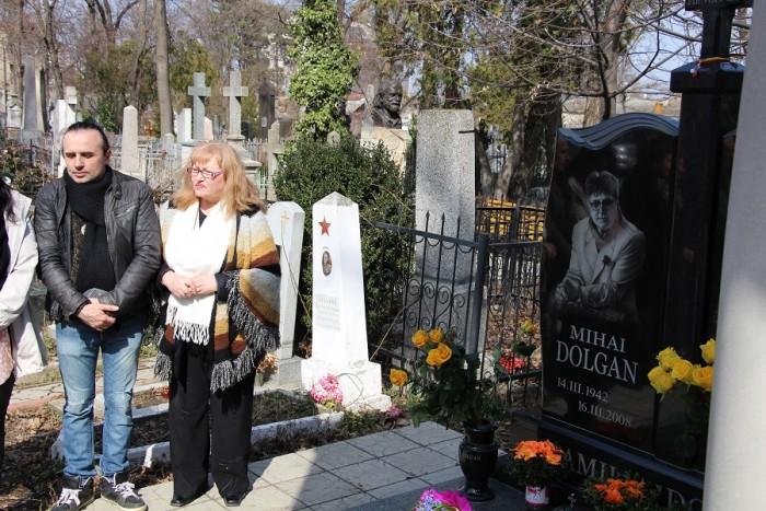 3-Mihai Dolgan-sotia Lidia Botezatu si fiul Radu Dolgan-14-03-2017-Cimitir Chisinau