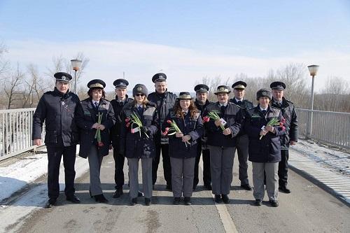 Martisorul trece Prutul-Politia de Frontiera Moldova-1 Martie 2018 - Copy