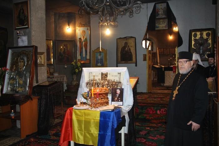 Parastas in cinstea deputatilor-Sfatului-Tarii-25-martie-2017-parintele Petru Buburuz-foto-Flacara Film