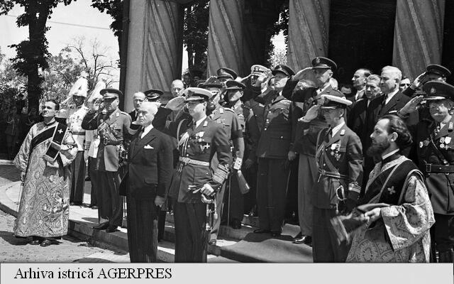 Regele Mihai I al Romaniei-Maresalul Ion Antonescu-arhiva istorica
